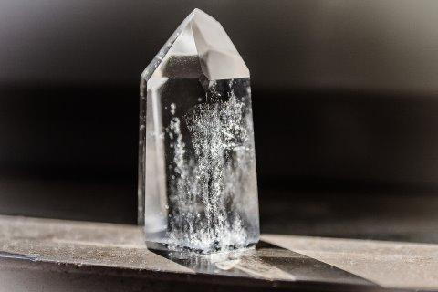 Helende bergkristal voor aarding en kracht